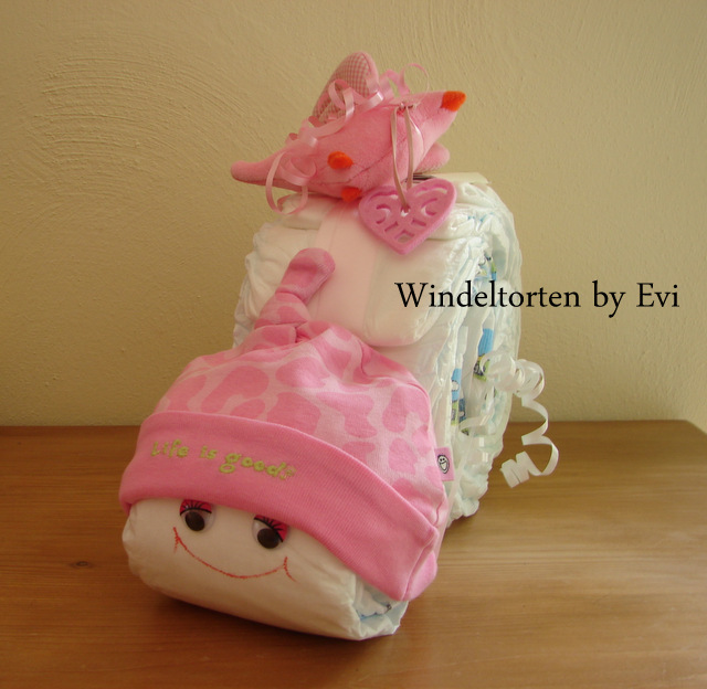 girl diaper cakes beautiful baby girl cakes made of diapers. Black Bedroom Furniture Sets. Home Design Ideas