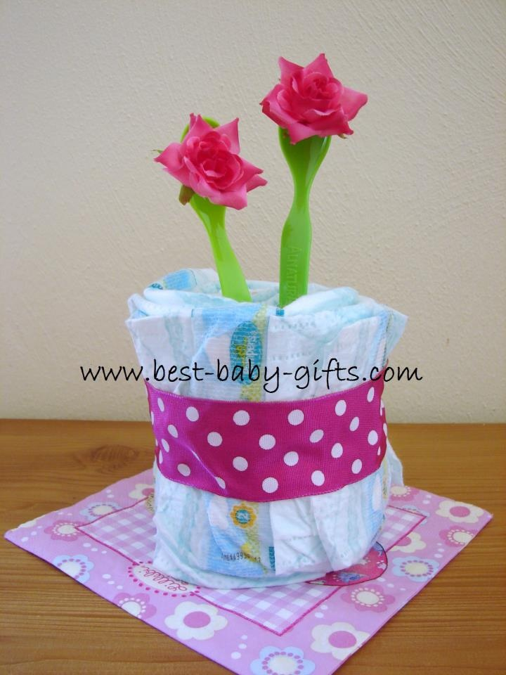 Diaper gift lots of cute ideas for 39 not just 39 giving for Baby shower diaper decoration