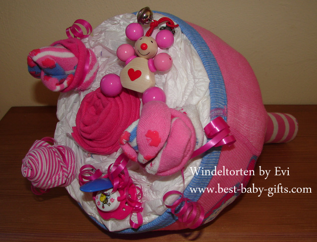 Diaper Bouquet Tutorial...easy instructions for a beautiful diaper gift!