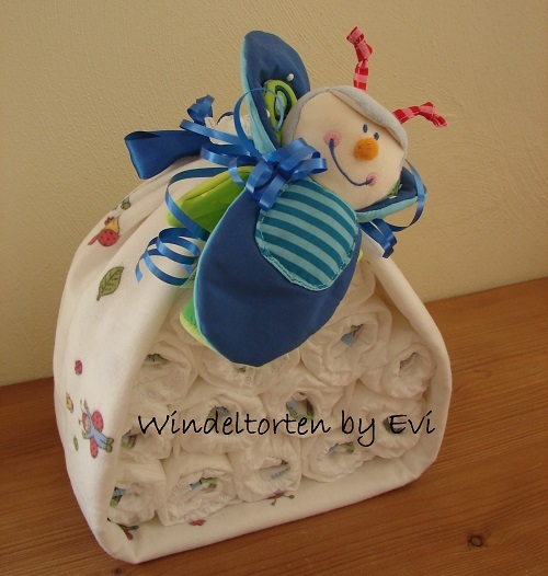 Things To Do With Diapers For A Baby Shower: Unique Boy Diaper Cakes: Boy Diaper Gift Ideas With Tutorials